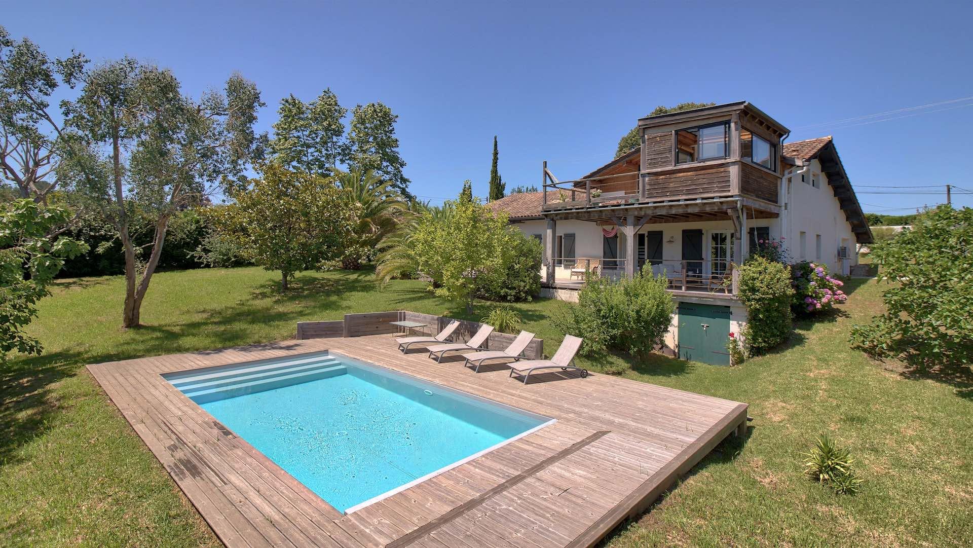 Maison de vacances avec piscine agreable et lumineuse - Location maison sud ouest piscine ...