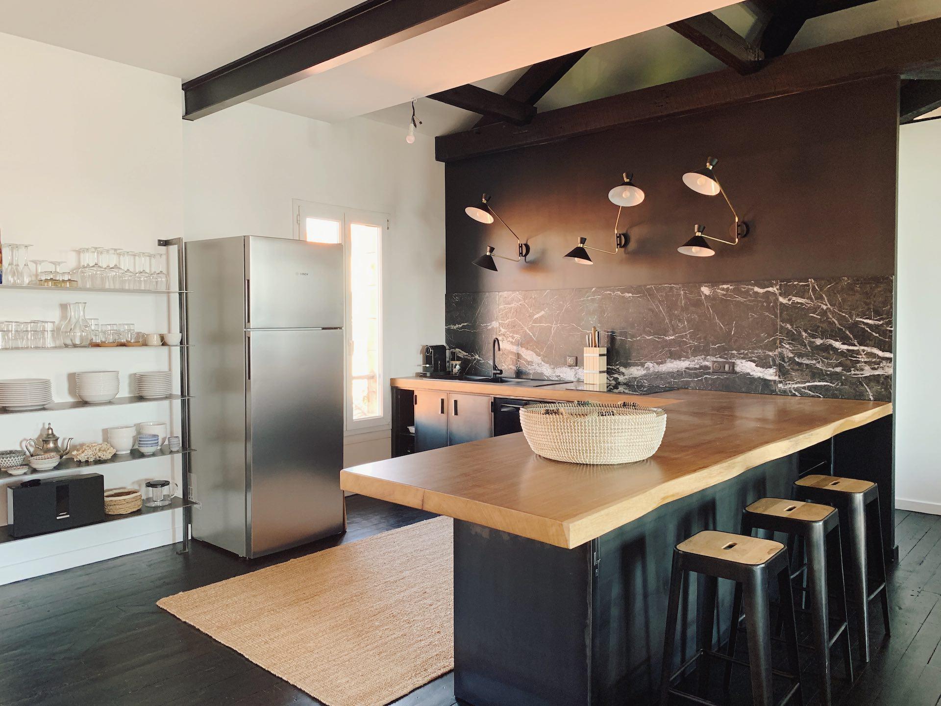 Régulation des locations type Airbnb sur la Côte Basque